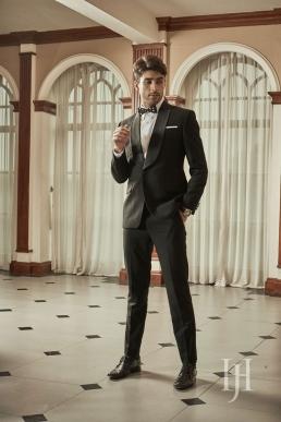 Harioms Suit