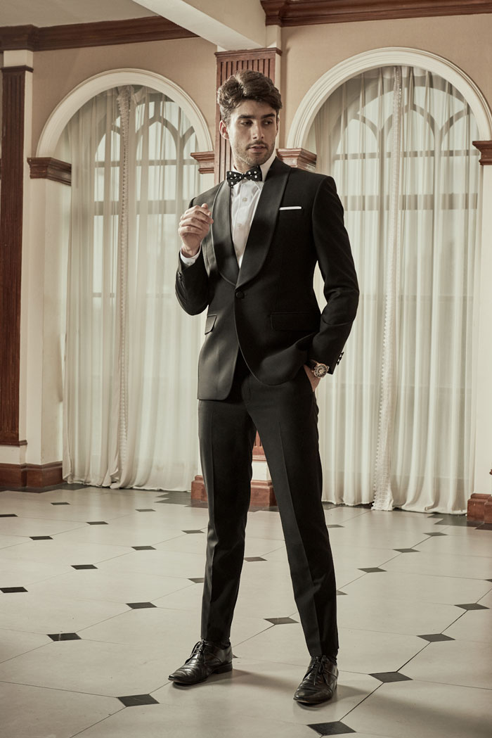 Black Suit by Hariom's Tailor - Jakarta